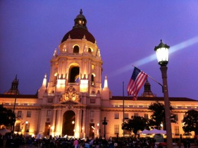 """Music Under the Stars"", a free concert by the Pasadena Symphony, performed in front of City Hall"